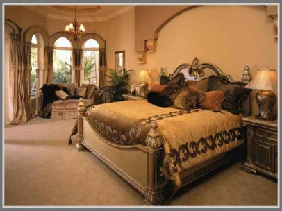 Arch for Comfortable Mediterranean Style Bedroom
