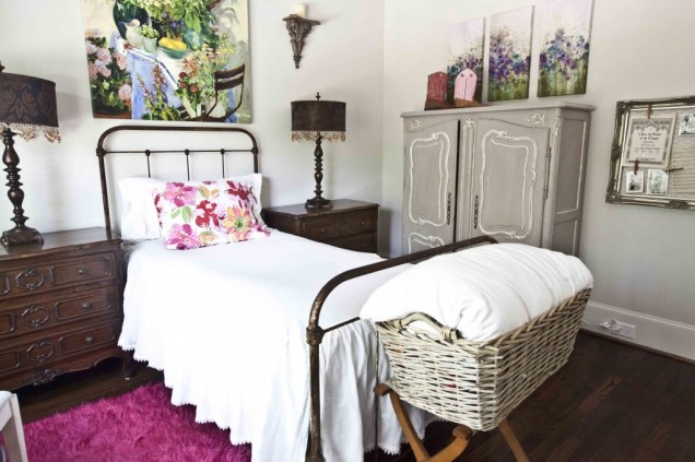 Bedroom for Shabby Chic Style Minimalist Home Inspiration