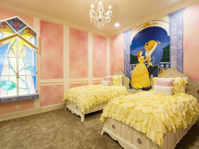 Identity Color for Girls' Bedroom with Fairytale Theme