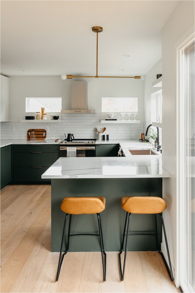 Minimalist Green Kitchen With Chair And Dining Table