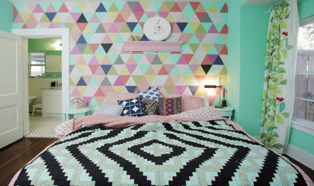 Accents on the Wall for Decorating Teens Bedroom