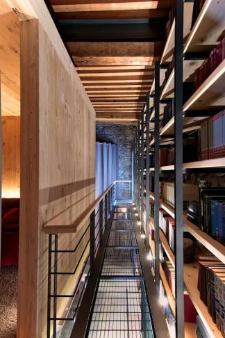 Artistic Industrial for Unique Ceiling Design with Wooden Beams