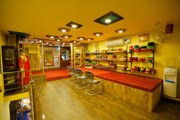 Aparel Store for Women - Ravi and Nupur Architects