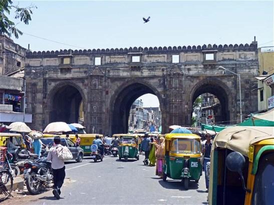 Teen Darwaza - Ahmedabad [© Ken Boulter]