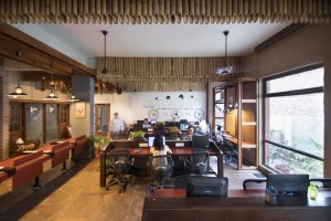 Unboxed Co-working at NOIDA, by Chaukor Studio