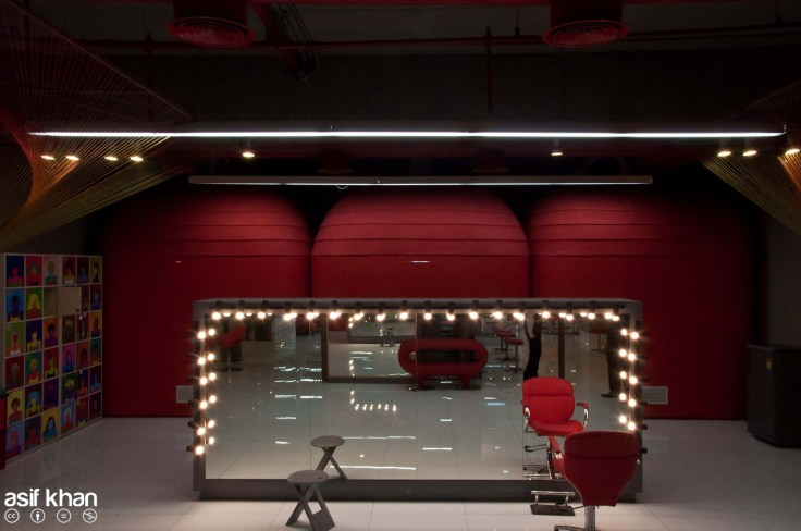 APDS salon at New Delhi by RLDA STUDIO Architects