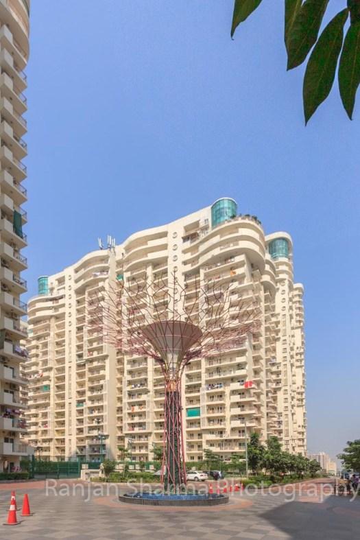 Mahagun Moderne at NOIDA, by GPMA 104