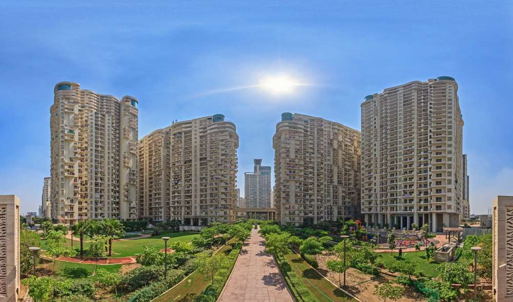 Mahagun Moderne at NOIDA, by GPMA 1