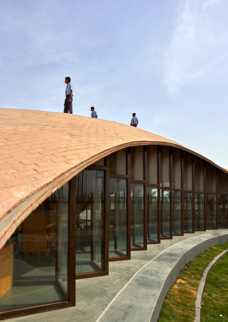 Maya Somaiya Library, Sharda School. Kopergaon, Maharashtra, India, by Sameep Padora and Associates 2