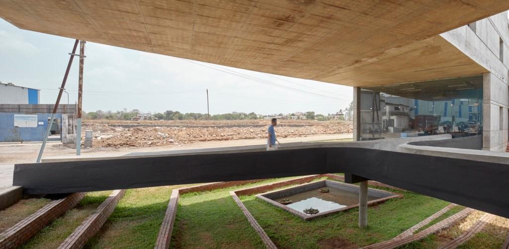 Concrete void (Vijay Transtech factory), at Bhiwandi, Maharashtra, by Sameep Padora and Associates 7