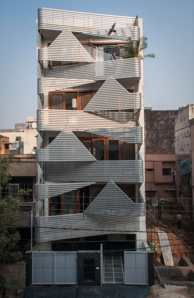 Apartment @143, at New Delhi by Plan Loci 3