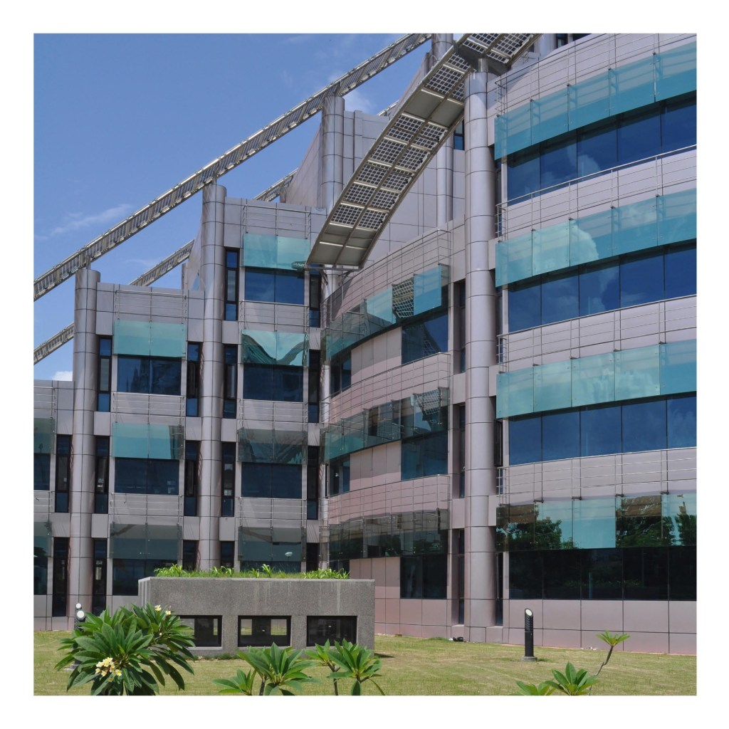 COAL India Limited, Kolkata, by Raj Rewal Associates 9