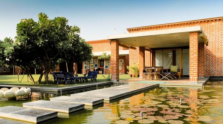 Shroff Residence at Vadodara, Gujarat, by Karan Grover and Associates 1