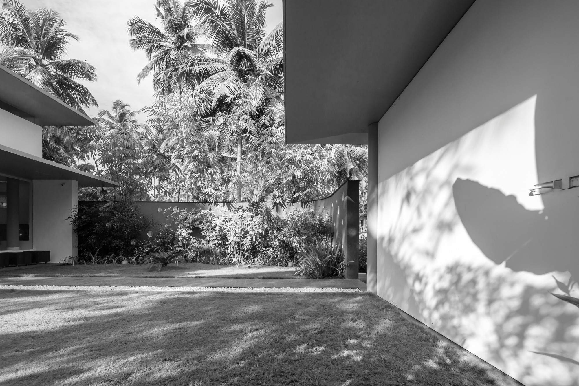 The Floating Parasol House at Thirur, Kerala, by LIJO RENY architects 48
