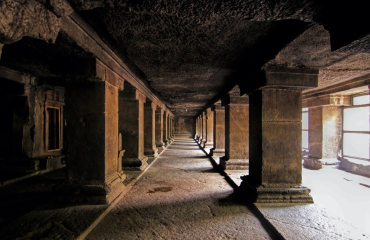 Pataleshwar caves - Pune's hip underground meet-up place since a cool 1300 years! 11