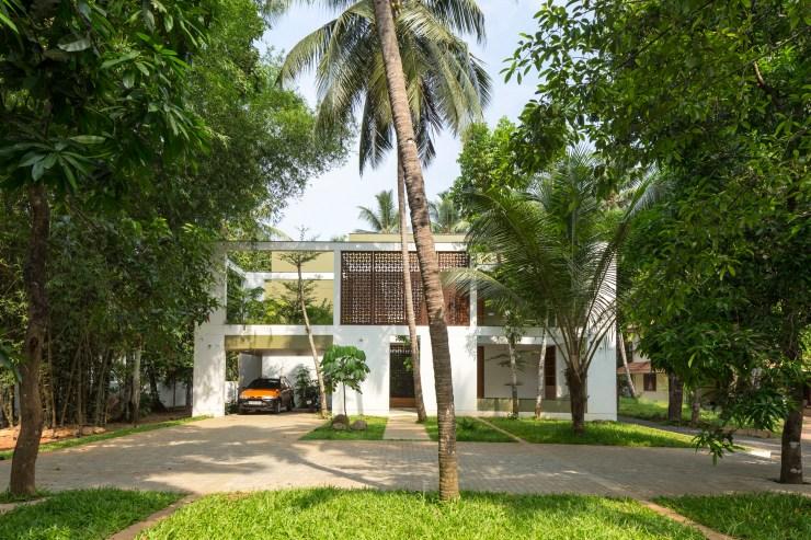 Regimemtd House - Lijo Reny Architects