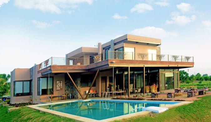 Farm House Pool Side
