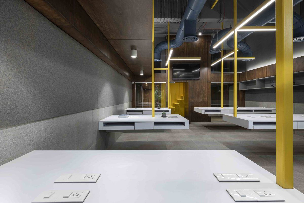 Suspended Office, at Mumbai, by DIG Architects 1