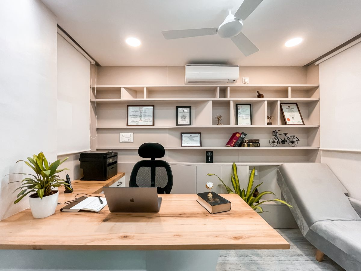 The White Space, at Ahmednagar, by Tres Atelier LLP 23