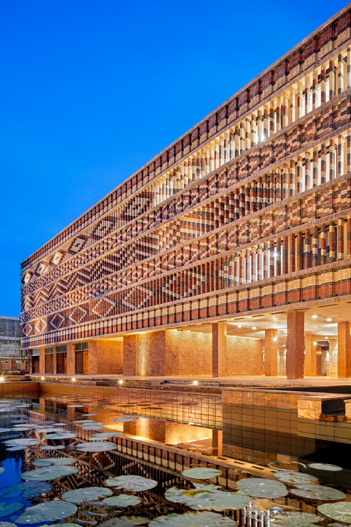 Krushi Bhawan   150 Local Artisans Come Together to Craft a Civic Building in India, by Studio Lotus 38