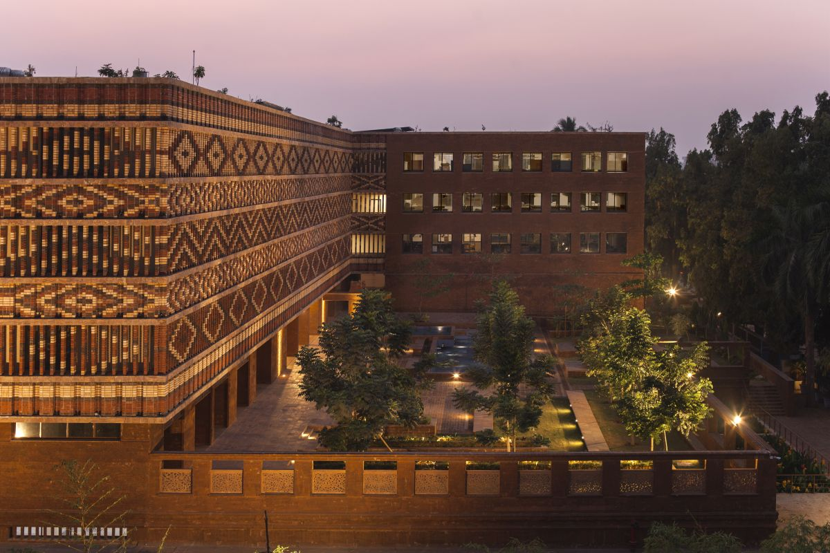 Krushi Bhawan   150 Local Artisans Come Together to Craft a Civic Building in India, by Studio Lotus 20