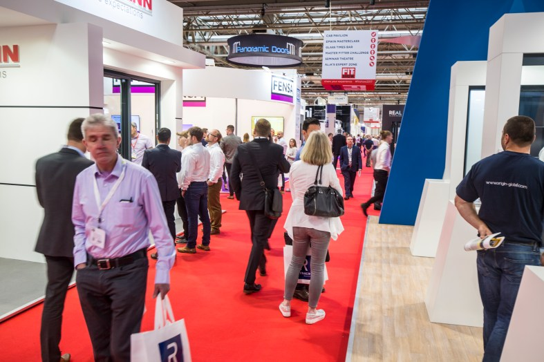 Glass goes BIG at FIT Show