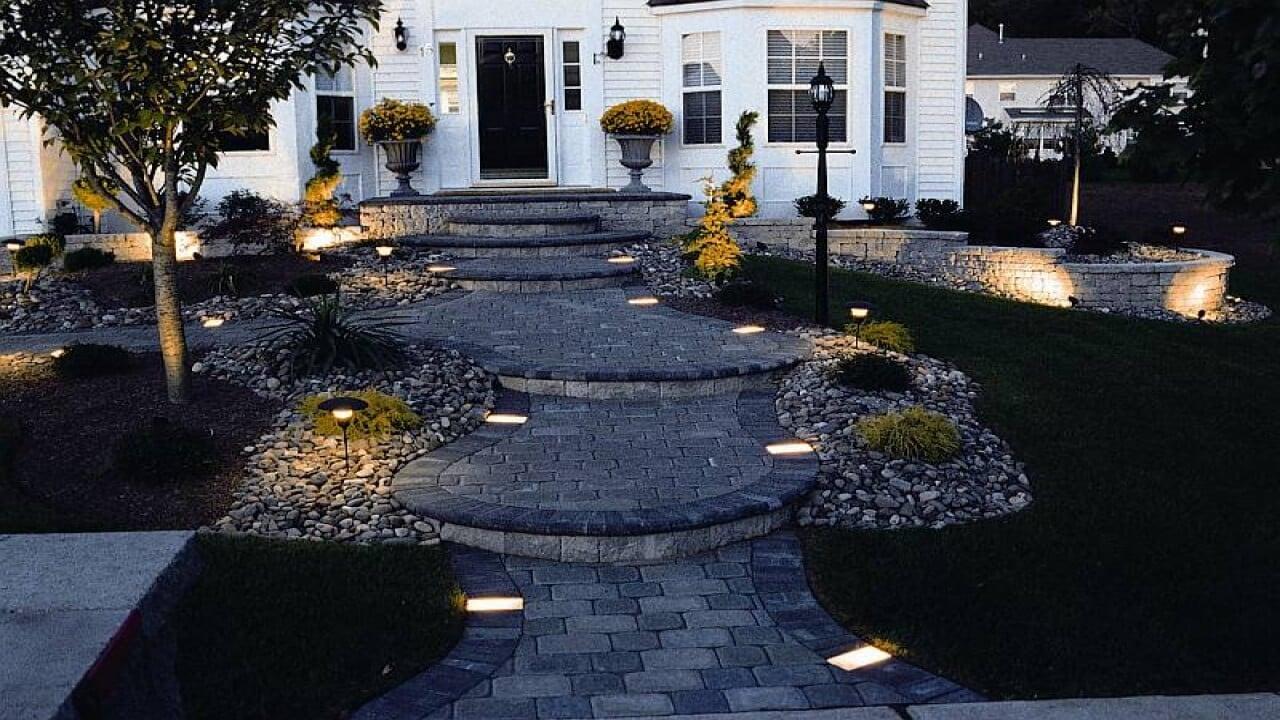 21 Walkway Lights That Enhance Your Pathways Beauty