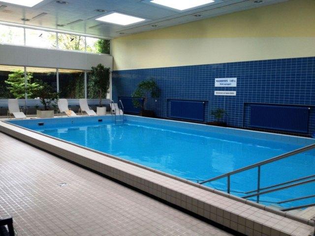 Eilenriedestift -Schwimmbad-alt
