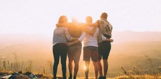 Czy warto spotykać się ze znajomymi?