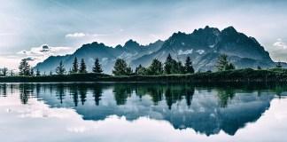 piękne góry i jezioro