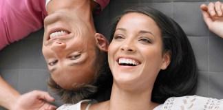 uśmiechnięta para