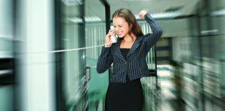 kobieta sukcesu w biurze