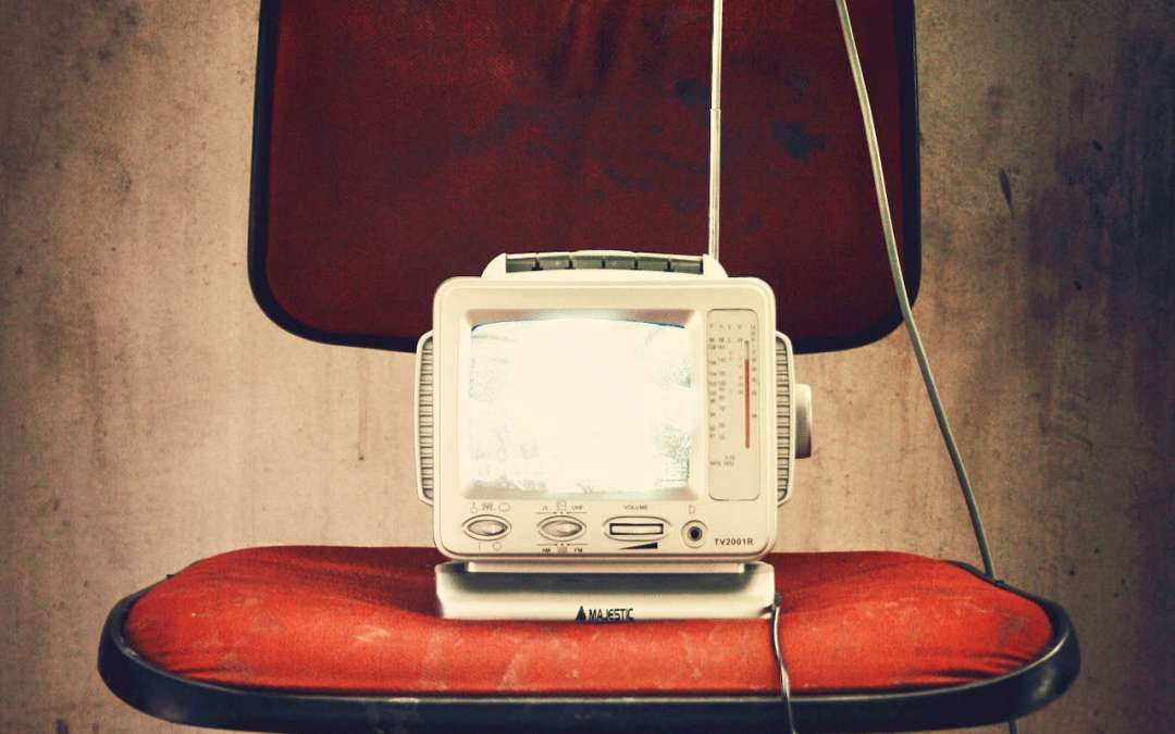 Tv appesa o appoggiata?