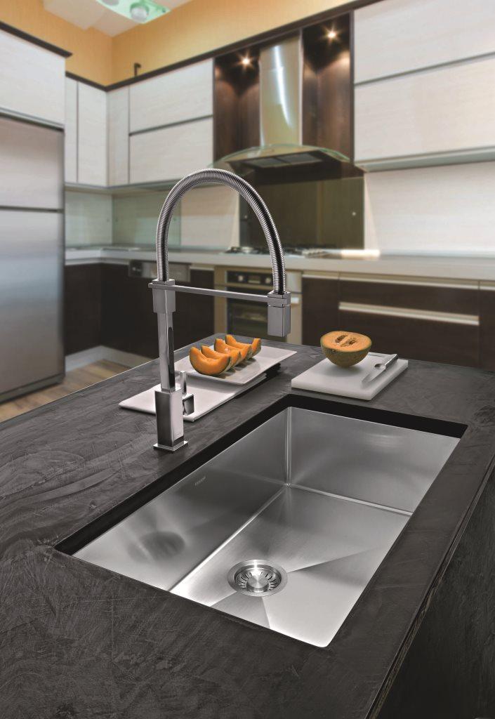 Professional Kitchen Faucet