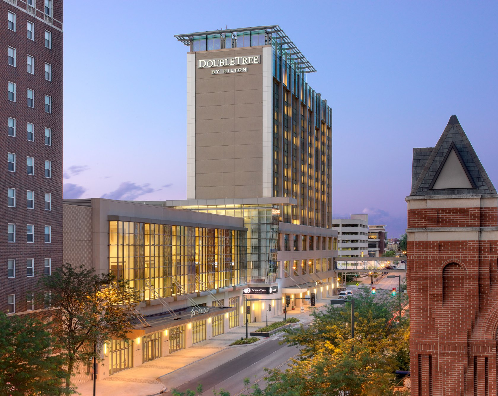 DoubleTree by Hilton Cedar Rapids Iowa Images