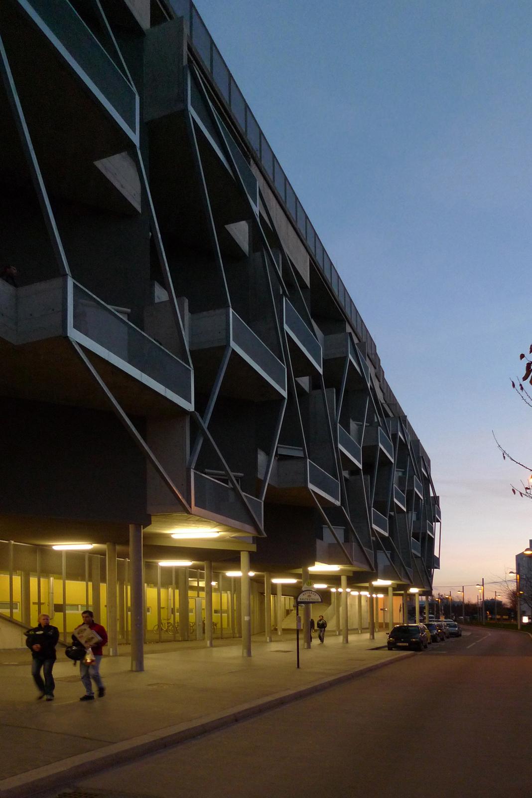 Terrace House Tokiostrasse by ARTEC Architekten - Architizer