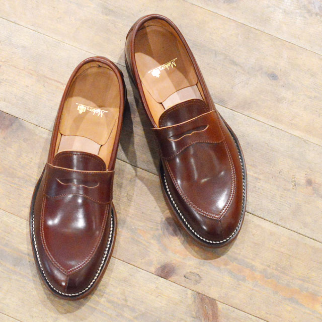 Makers v-tip loafers