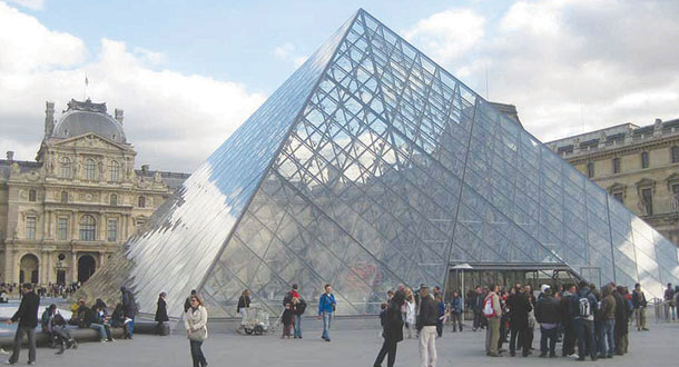 Image result for الهرم الزجاجي في متحف اللوفر ع