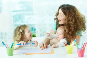 0911_mother-and-2-children