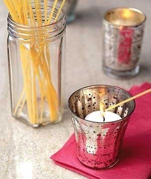 Լուցկիով մոմ վառելը յաճախ դժուար է եւ ձեռք կ՛այրէ, կարելի է սփակեթթիի ձողիկներ օգտագործել եւ խուսափիլ այդ անպատեհութենէն:
