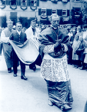 724 Cappa Pius XII