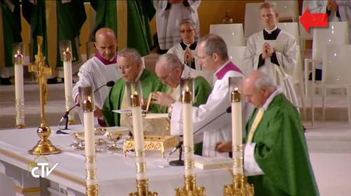 Papal Mass 002
