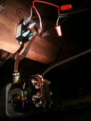 Control a 3wire zone valve with a 2wire thermostat