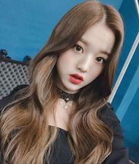 izone chaeyeon and itzy chaeryeong