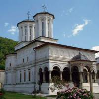 There's much more to see in Romania than just Dracula's castle;CHRISTINE PENDZICH & EVA VON FALKENSTEIN; Triblive