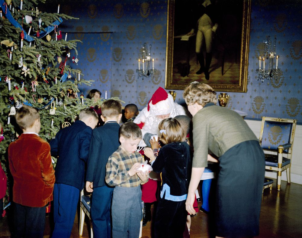 KN C19753 White House Christmas Party For Children John