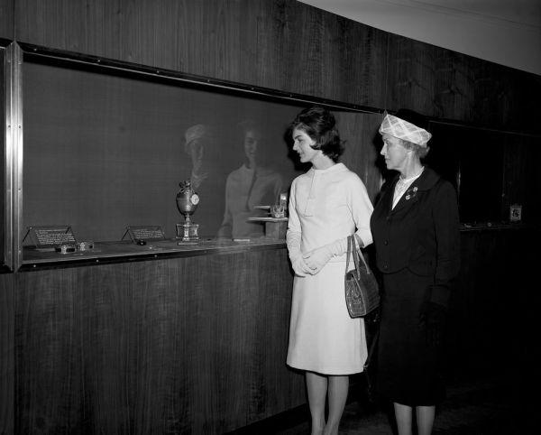 Lady Jacqueline Kennedy Jbk Visits Corcoran