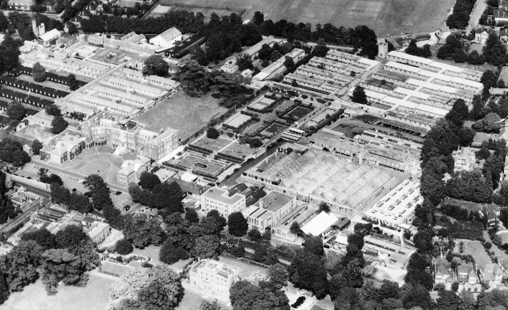 Opposite: Aerial view of Queen Mary's pre-1967 building of BRADU