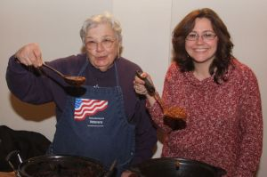 Suzy Murphy, right, was the winner and Ruth Schnell the runner-up in the chili cook-off at Warren Congregational Church.