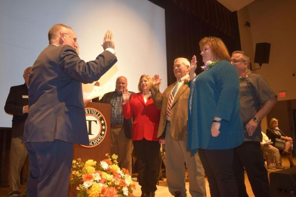 Sen. Henri Martin, R-Bristol, gives the oath of office to the elected Plymouth Town Council members Sunday. Jacqueline Stoughton/Republican-American